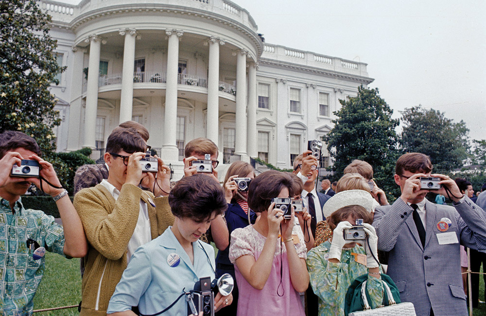 Youth Tour participants at the White House in the 1960s